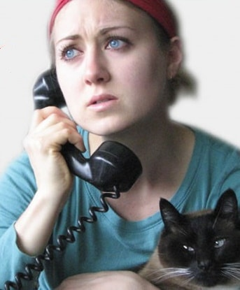 worried-pet-owner-on-ohone
